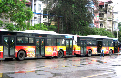 quang-cao-xe-bus-ha-noi