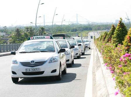 Quảng cáo xe taxi VinaSun tại TPHCM