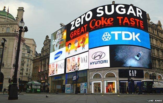 Những địa điểm quảng cáo đắt đỏ nhất thế giới