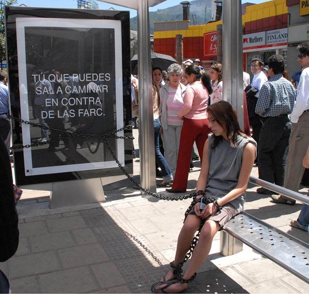 Quảng cáo chống chán cho trạm chờ xe bus