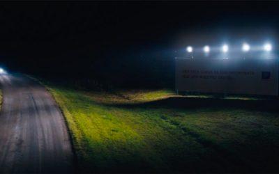 Billboard quảng cáo thắp sáng những đoạn đường nguy hiểm của La Caja