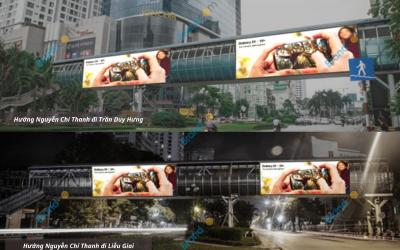 Quảng cáo trên cầu vượt đi bộ Đại học Luật Hà Nội