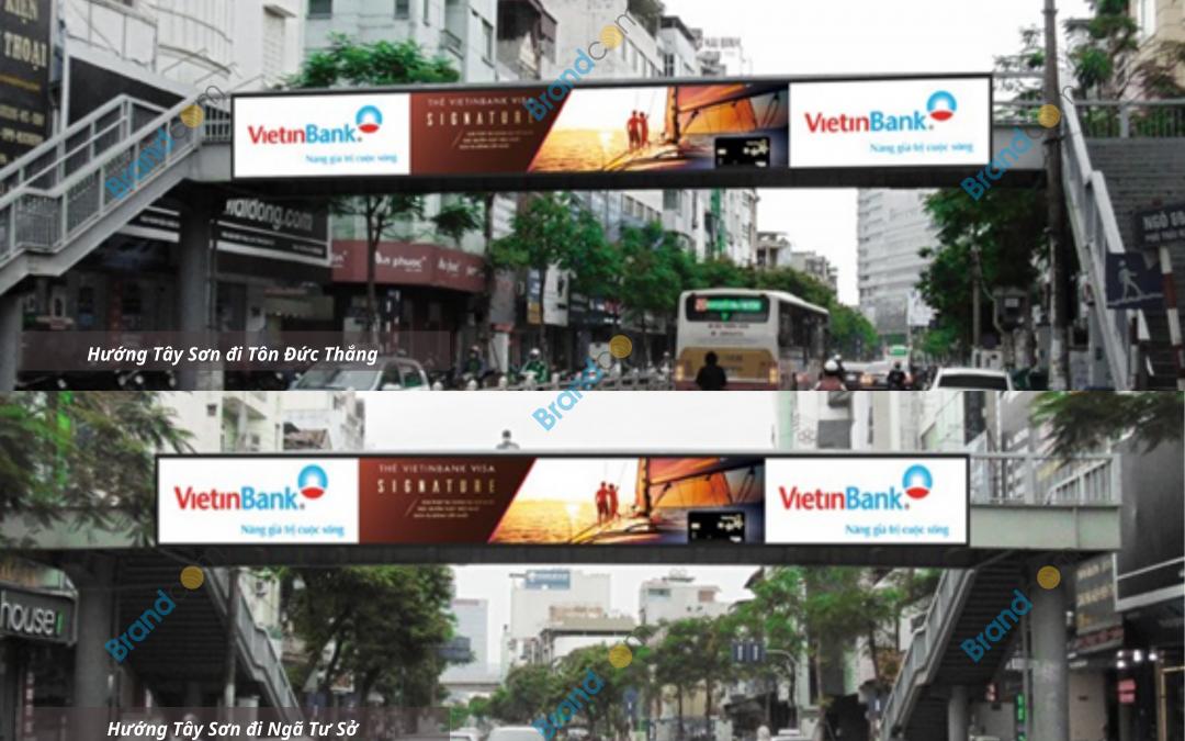 Quảng cáo trên cầu vượt đi bộ Thái Hà
