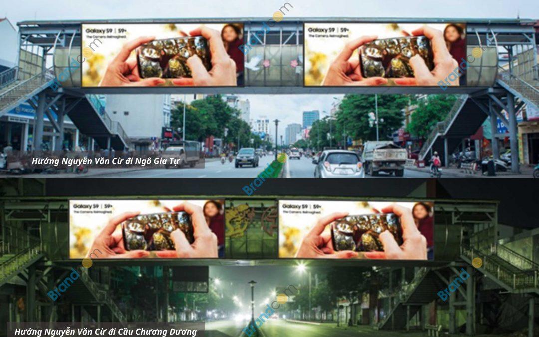 Quảng cáo trên cầu vượt đi bộ Nguyễn Văn Cừ